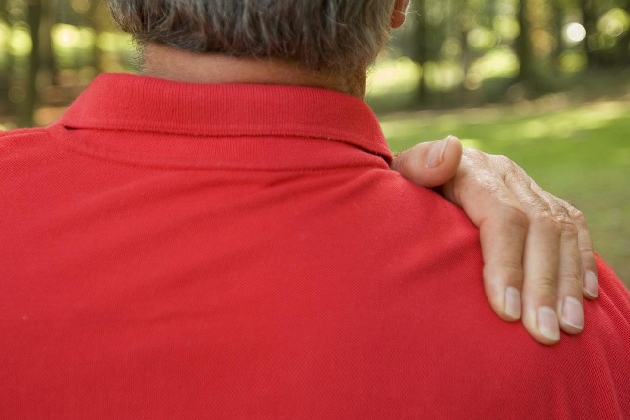 older-man-with-shoulder-pain